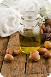 L'huile d'argan vient du Maroc et  possède des propriétés raffermissantes, assouplissantes, nutritives, protectrices pour la peau