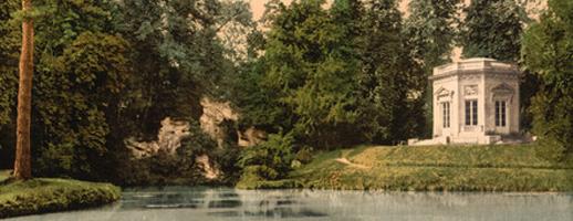 Batifoler dans les herbes hautes du domaine de Marie-Antoinette