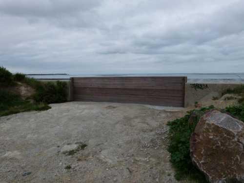 Porte vue depuis l'intérieur de la digue